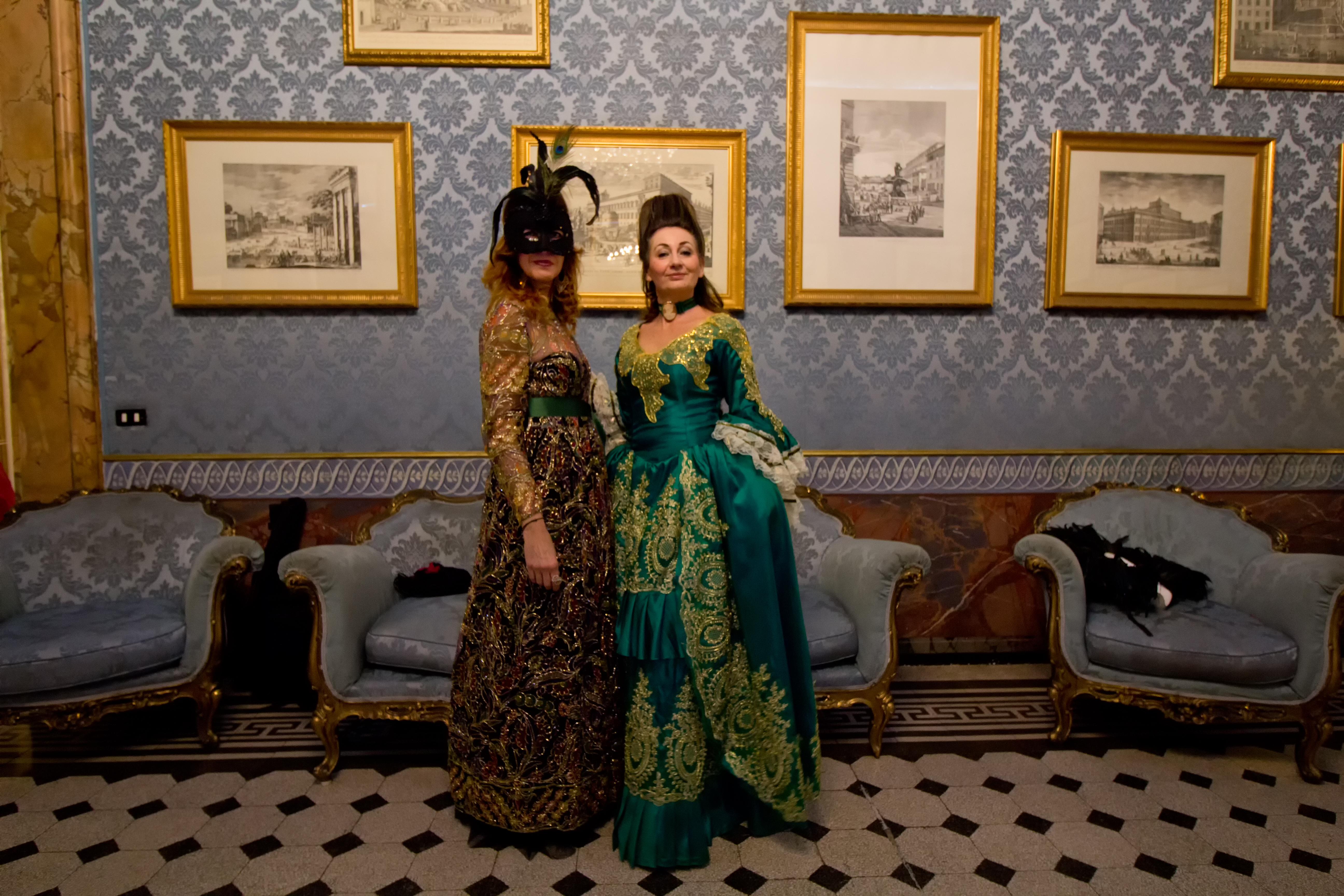 Ballo in maschera a Palazzo Ferrajoli