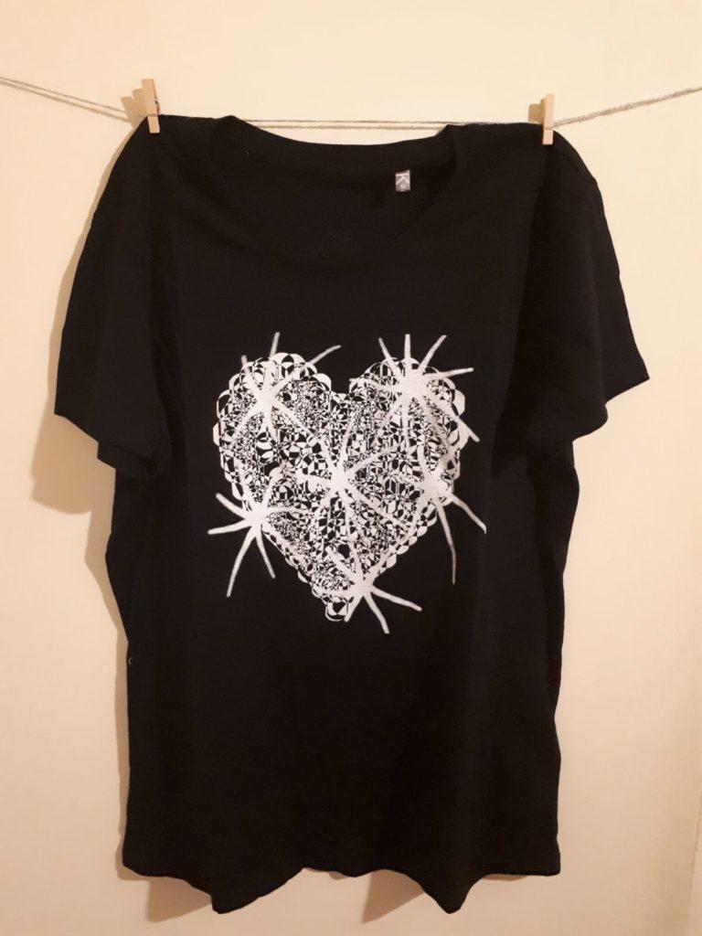 Le magliette disegnate da Tullia Art per Lifc